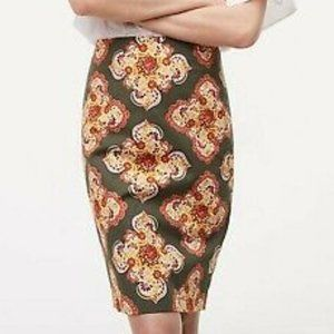 EVERYTHING $5! LOFT medallion pencil skirt